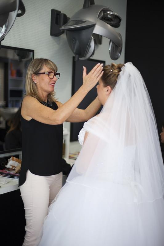 Coiffure de mariage, de cérémonie et chignon à Vannes